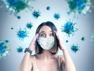 Mujer rodeada de virus